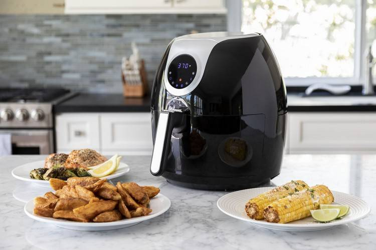 Air fryer and oven are ideal for cooking meals without too many hassles